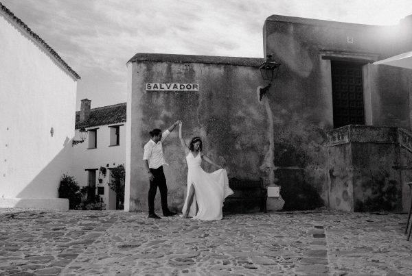 bride and groom at castellar de la frontera